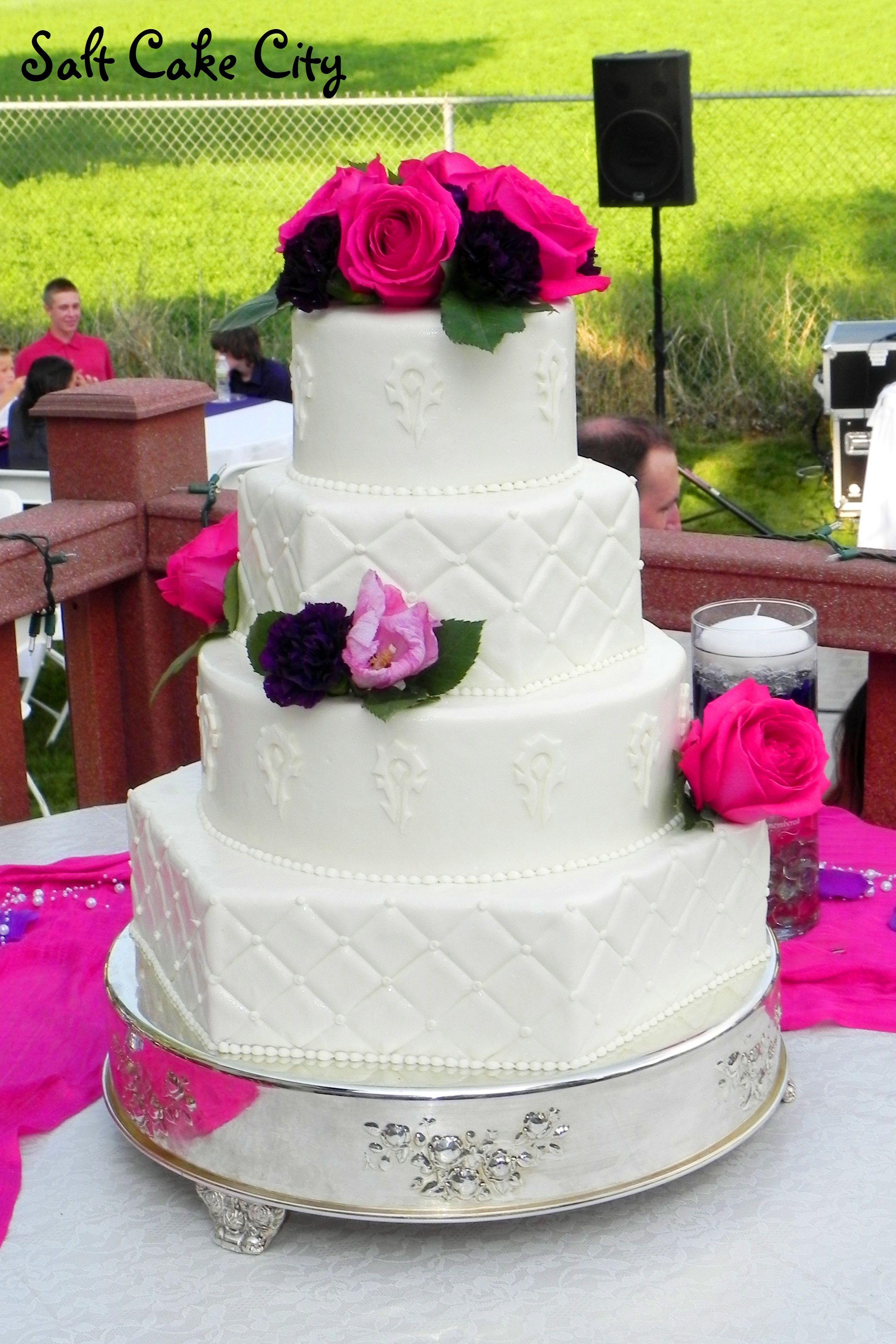 World of Warcraft Wedding Cake - Marshmallow fondant covered cake ...