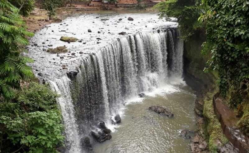 Air Terjun Temam Air Terjun Alam Kota