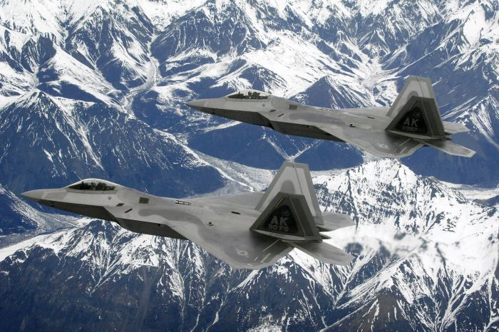 how fast is a f22 raptor