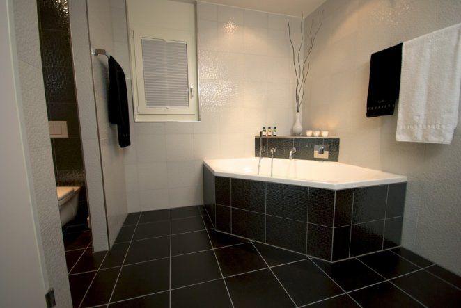 Badewanne Neu Verfliesen : Bad Hauptbad ETW Zimmerschau