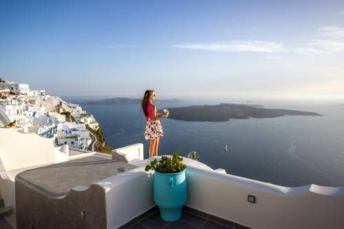 Remvi Suites Firostefani Located in Firostefani, one of the most beautiful spots of the famous Santorini cliffs, Remvi Suites offers panoramic views to the volcano, the caldera and the Aegean Sea.