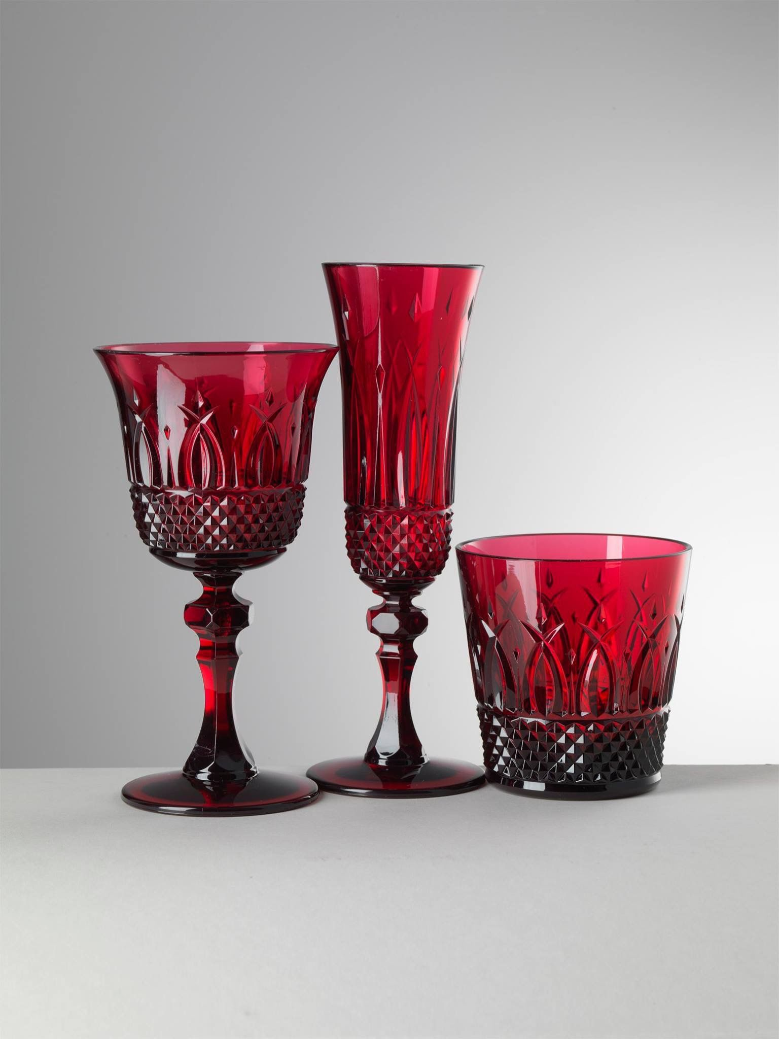 Italia Flute Water And Wine Glasses Dressed In Ruby Acrylic Drinkware Mariolucagiusti Syntheticcrystal Specialoccasion Tableware Tabledes Bicchieri Vino