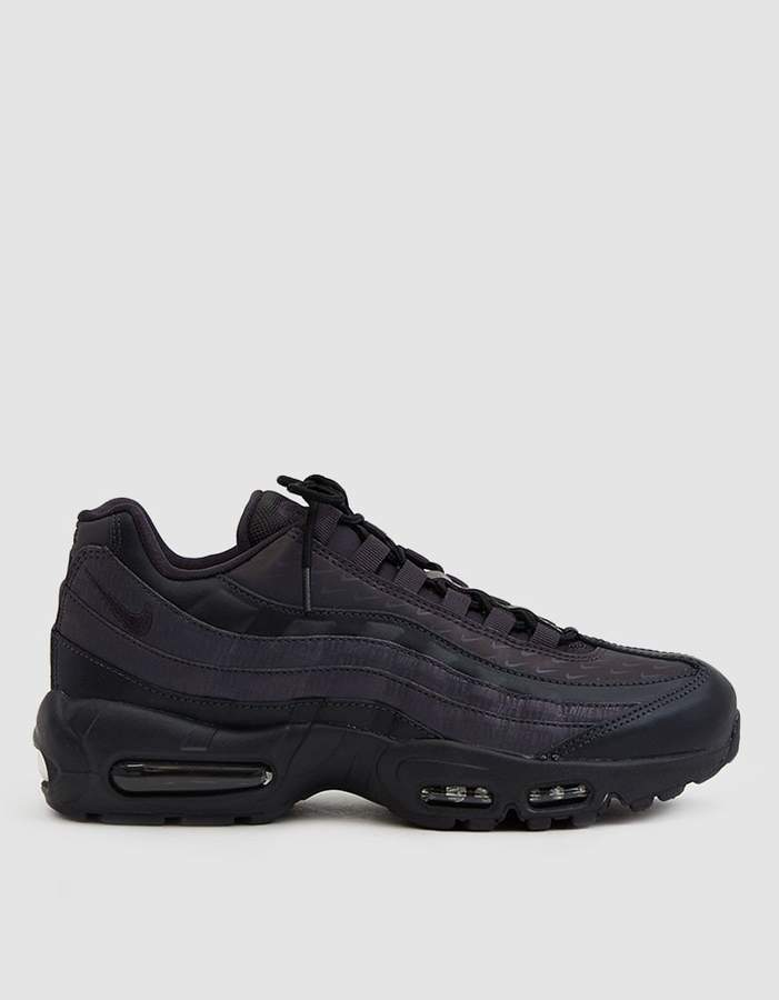 Nike   Air Max 95 LX Sneaker in Oil Grey  a4802beeb