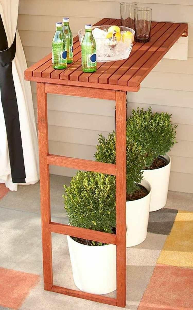 Stehtisch Fur Garten 16 Ideen Fur Dekorativen Und Nutzlichen Gartentisch Diy Aussenbar Wandtisch Faltbare Wande