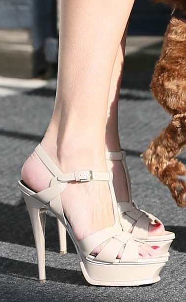 46379e2e23b kelly brook in another pair of ysl tribute sandals