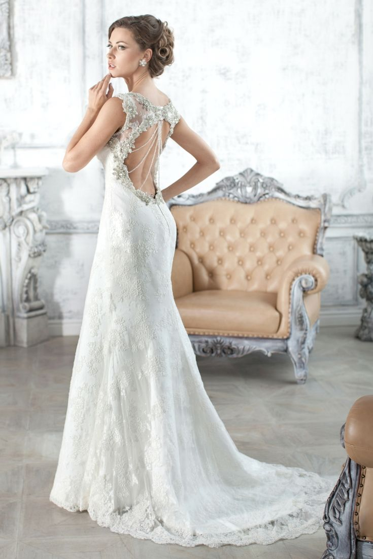 Top wedding dresses catalogue searching for the latest wedding