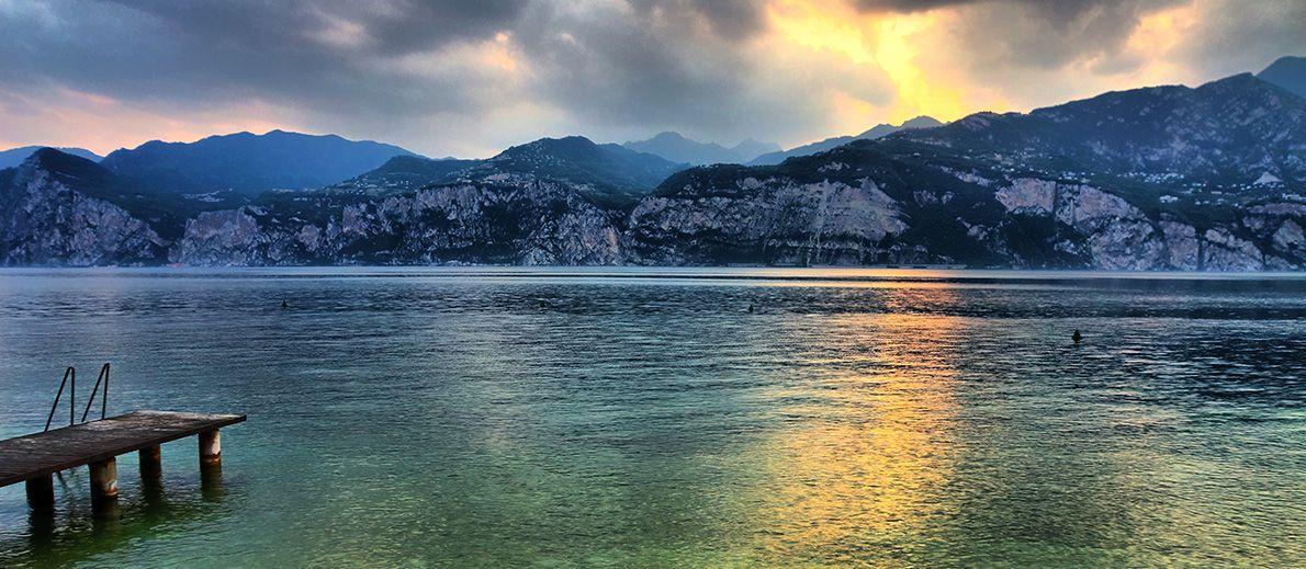 >>> http://www.bravoreisen.com/charmanter-gardasee-paradies-der-sinne.html <3 Charmanter Gardasee-Paradies der Sinne <3  Photo by https://www.flickr.com/photos/edwinvanbuuringen/