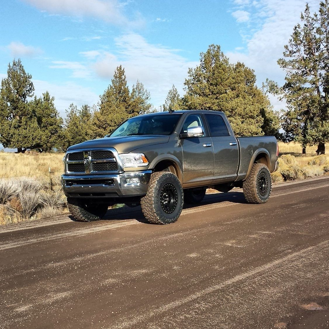 Ram 2500 With 37 Toyos And Leveling Kit Cummins Trucks Dream Cars Jeep Trucks