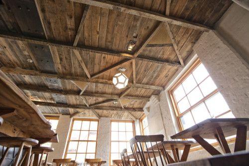 A Modern Rustic Restaurant In Brooklyn Rustic Restaurant Rustic Cafe Modern Rustic