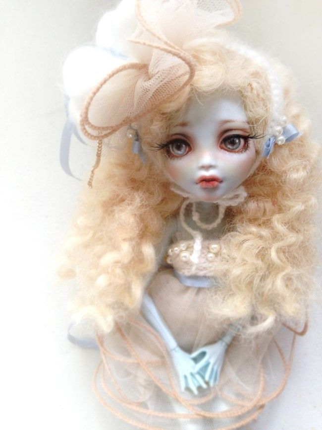 Monster High Doll Repainting &  CUSTOMIZE by. Dive
