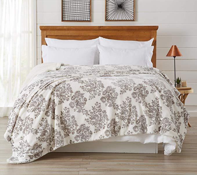 Amazon Com Home Fashion Designs Premium Reversible Sherpa And Fleece Velvet Plush Blanket Fuzzy Soft Warm Luxury Blanket Luxury Bedding Queen Size Blanket