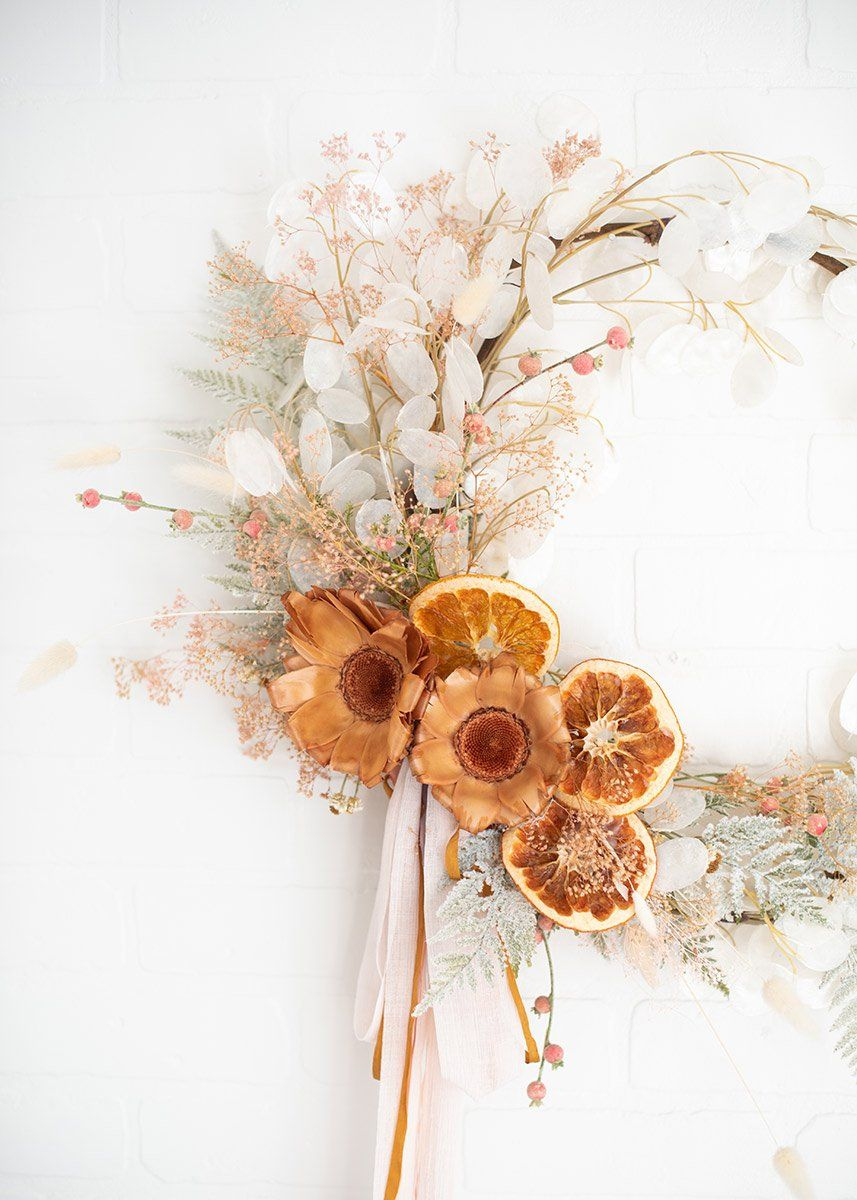 From simple floral arrangements to gorgeous bridal flower bouquets, trendy lunaria silver dollar artificial flowers give your wedding designs that one-of-a-kind look.  Ivory 40