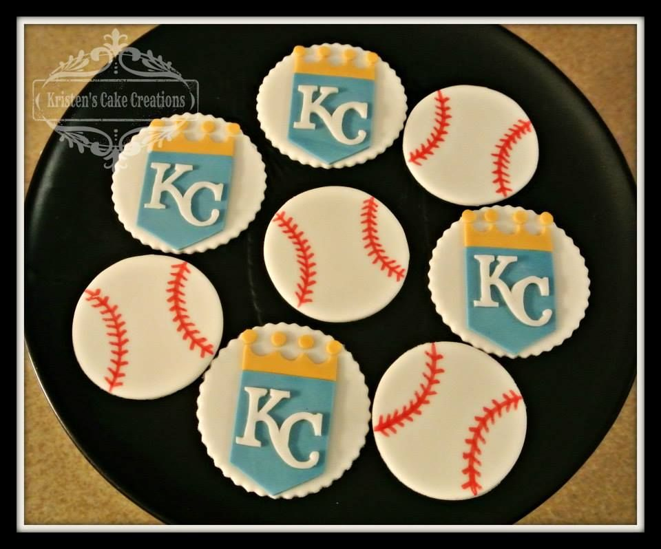 Cupcake Gallery - Kristen's Cake Creations - @KCRoyals fondant cupcake toppers