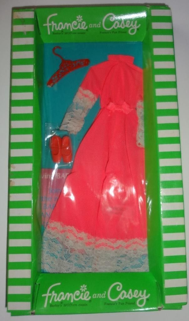 Vintage Barbie Francie Outfit The Entertainer New In Package Mint Ebay Vintage Barbie Clothes Vintage Barbie Dress Old Barbie Dolls