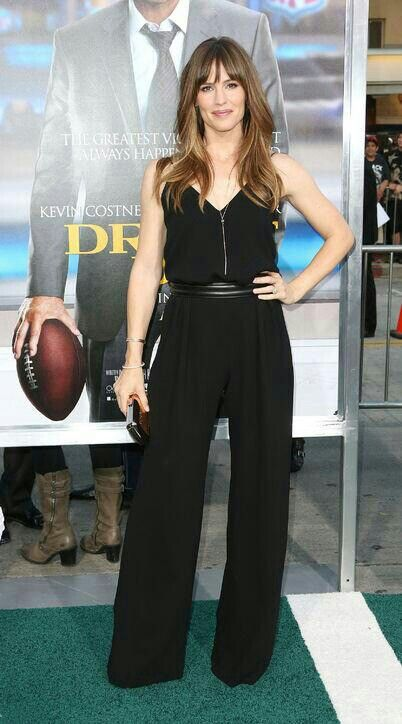Jennifer Garner scored a style touchdown in a red carpet alternative to the  gown when she arrived for the LA Draft Day premiere in a belted Max Mara ...