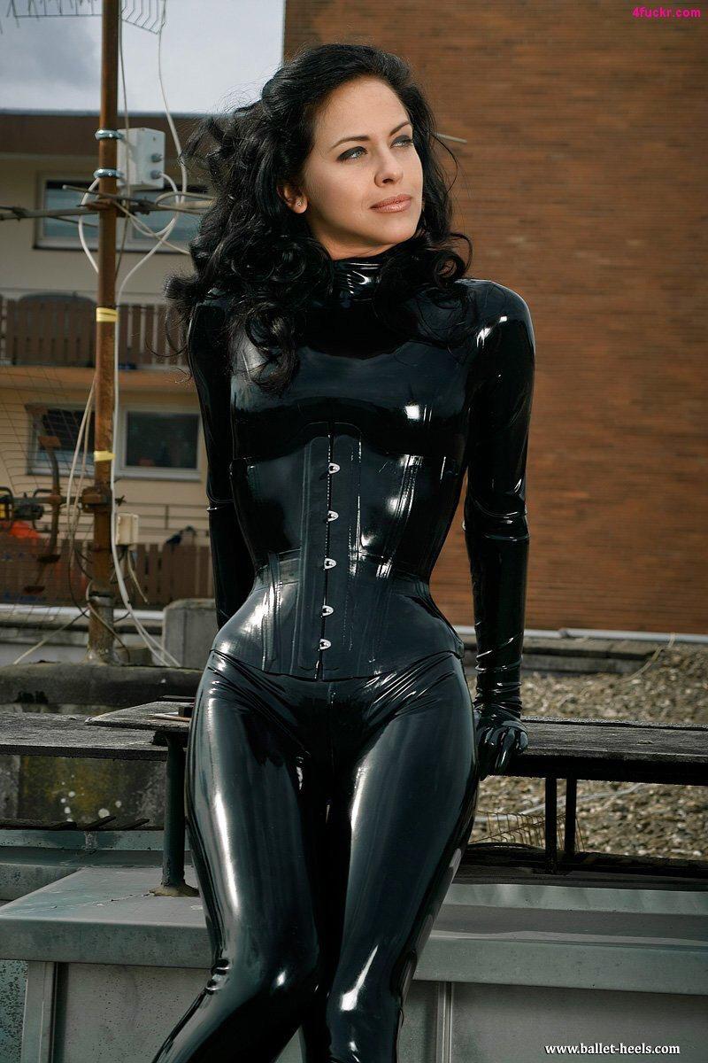 Schwarzer Catsuit