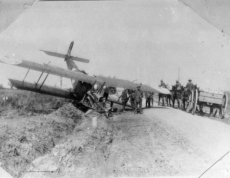 Crashed British aircraft - State Library New South Wales