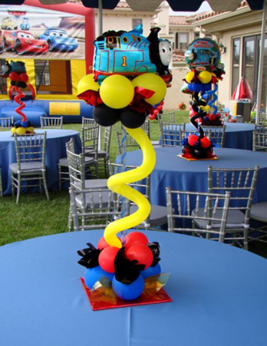 Strange Balloon Centerpieces Too Cute For Words Non Floral Decor Home Interior And Landscaping Sapresignezvosmurscom