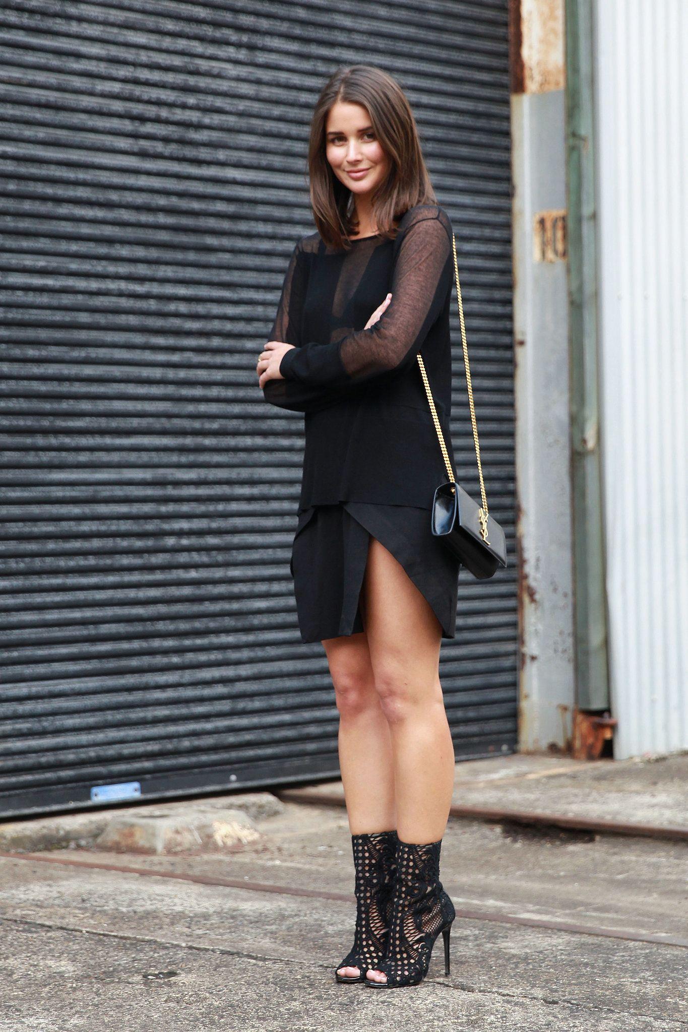 Sheer details, asymmetrical hemlines, and standout footwear. Sydney Fashion Week #StreetStyle