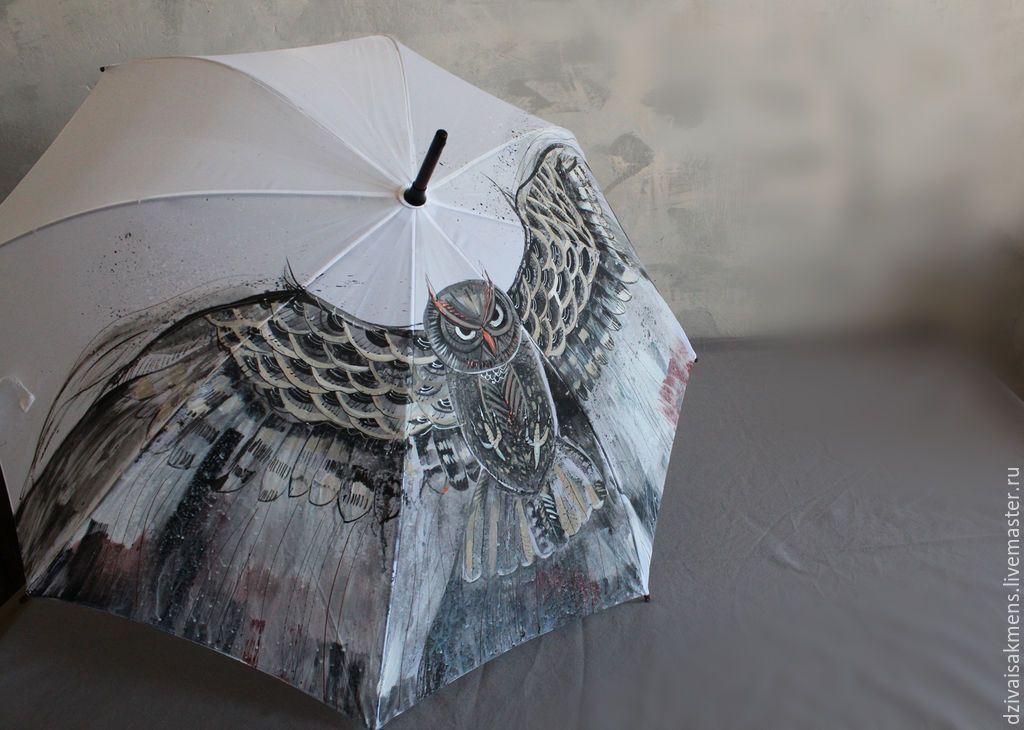 """Зонт с ручной росписью """"Летящая сова"""" - белый, рисунок, зонтик, зонт с росписью  Dzivais Akmens  http://dzivaisakmens.livemaster.ru"""