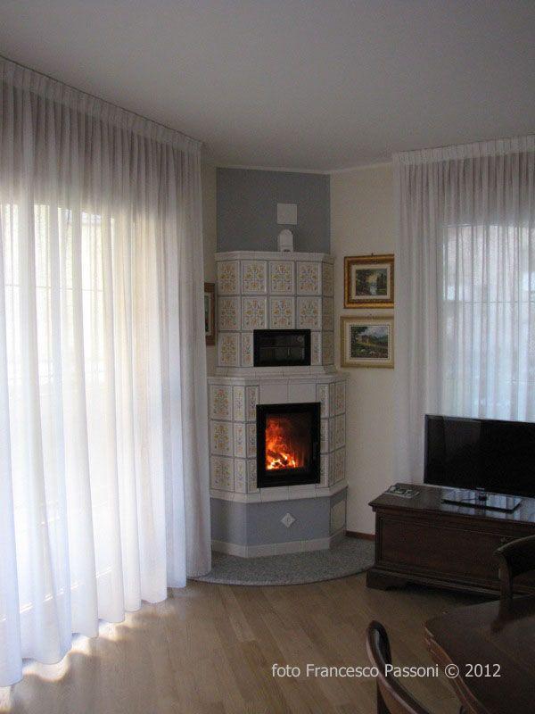 Stufa in maiolica - Kachelofen - Tile stove | Idee camino ...