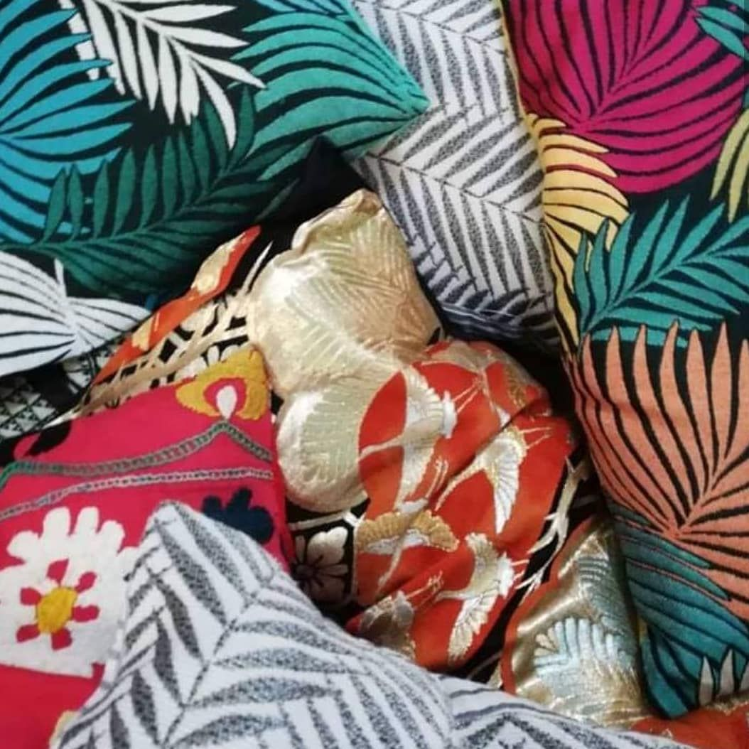 hen African wax meets balinese sarong, Indiana sari and japanese ancient kimonos ... Play with patterns, cultures, colours and