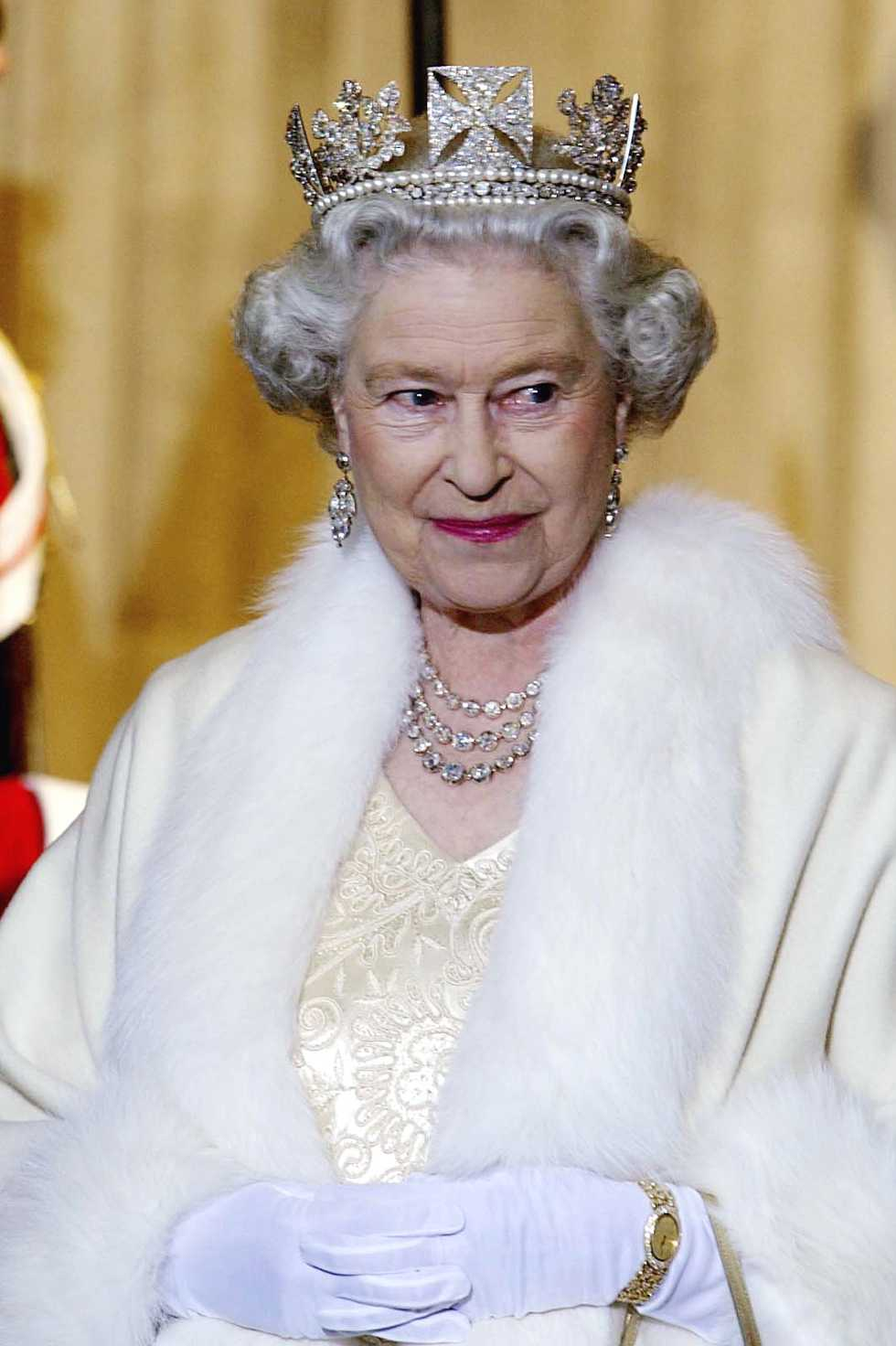 Queen Elizabeth Wore the Vladimir Tiara With Emeralds to