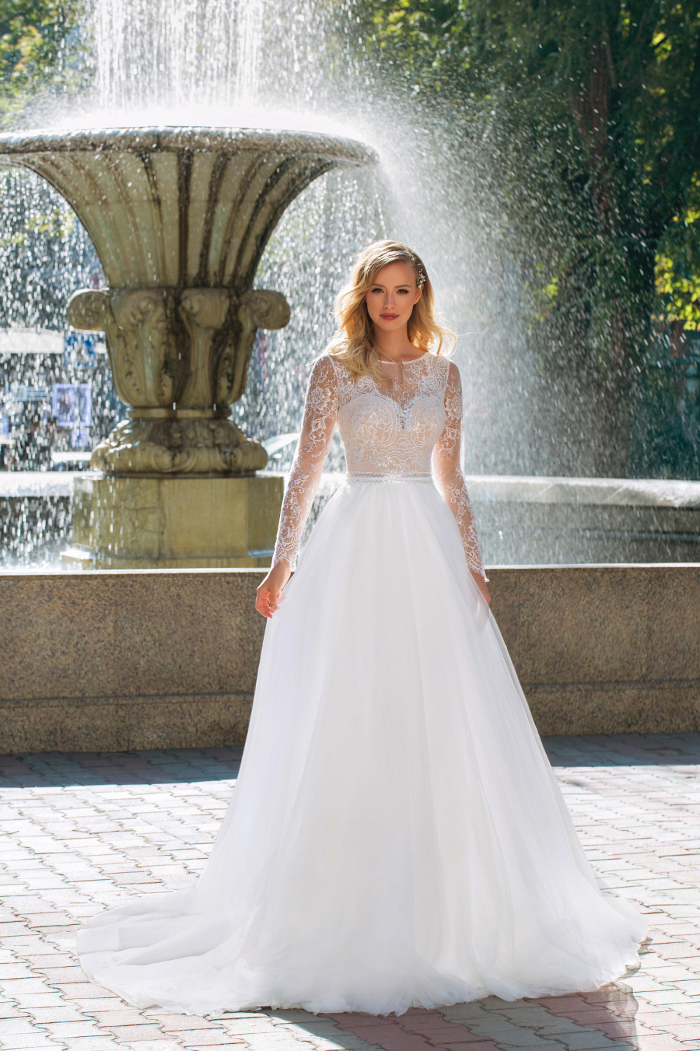 Angela Bianca 1010 Size 10 Ivory 898 Now 399 Available At Debra S Bridal Jacksonville Fl 32256 Contact Us To In 2020 Wedding Dresses Tulle Ball Gown Dresses