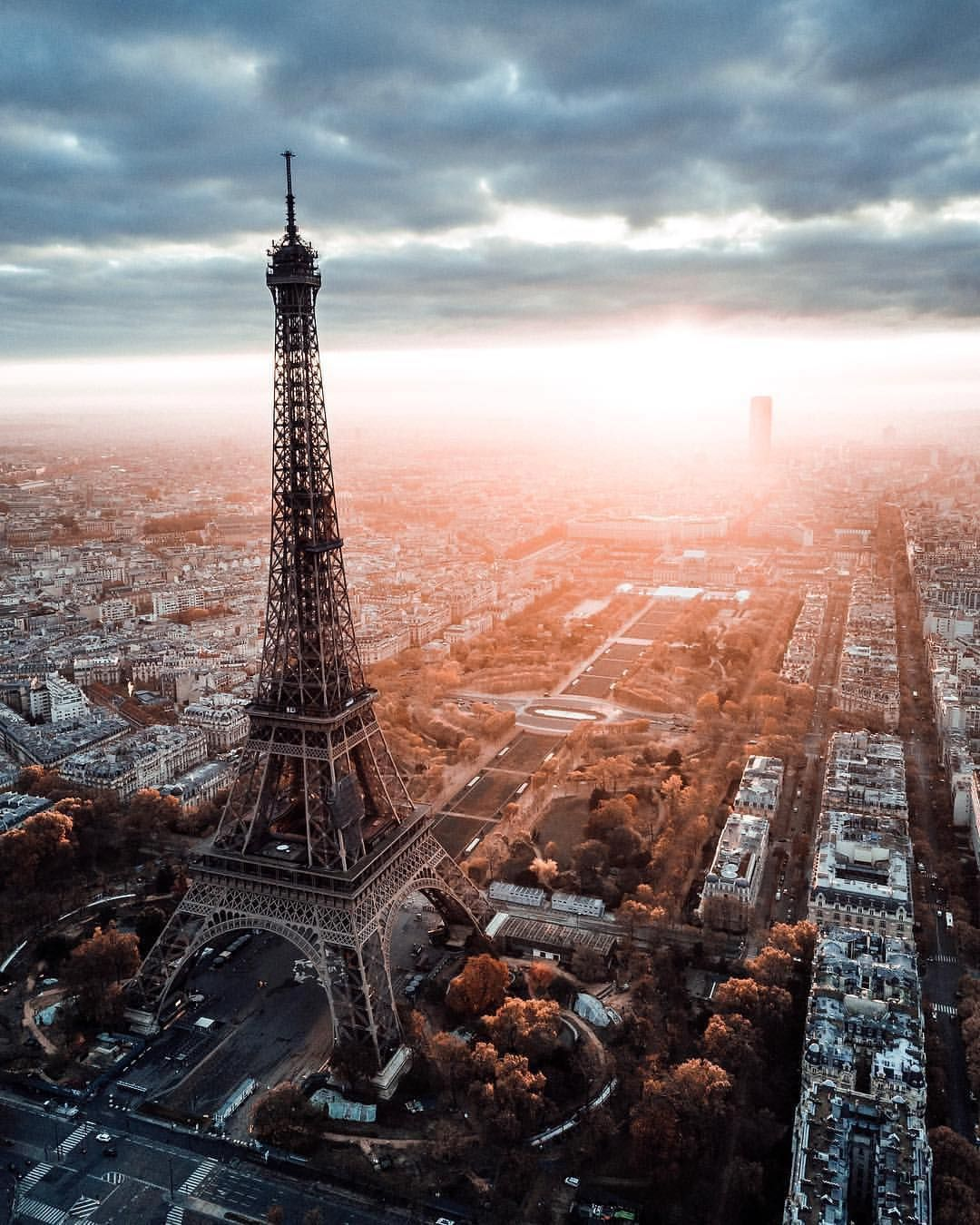 Earthfocus On Instagram Oh I Love Paris Photo By Patborriello Explore Share Inspire Schone Hintergrund Bilder Paris Bilder Eiffelturm Fotografie