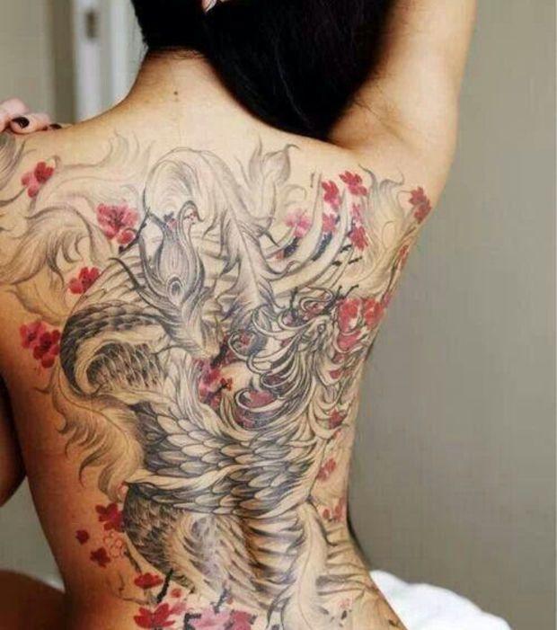 tatouage japonais les 20 plus beaux mod les pour un. Black Bedroom Furniture Sets. Home Design Ideas