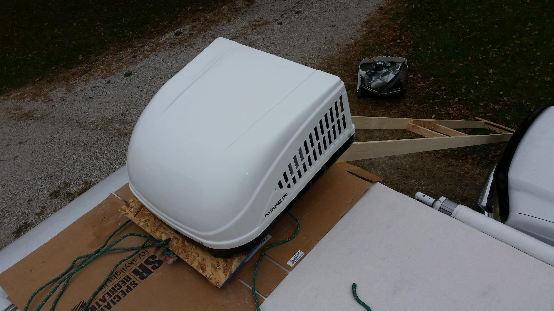 Guide to the Best RV Air Conditioner with Reviews Air