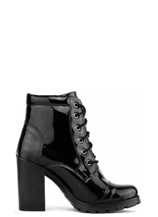 89f95c35af Uma das botas desejo da estação é a Bota Coturno! Por ser inspirado no  modelo
