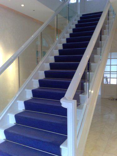 Tapis D Escalier Collection Trianon Laine Unie Coloris Bleu De