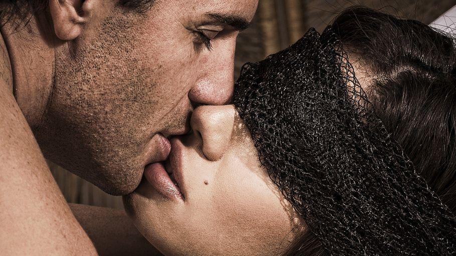 Love Kiss Guy Girl Feelings Couples Hd Photos