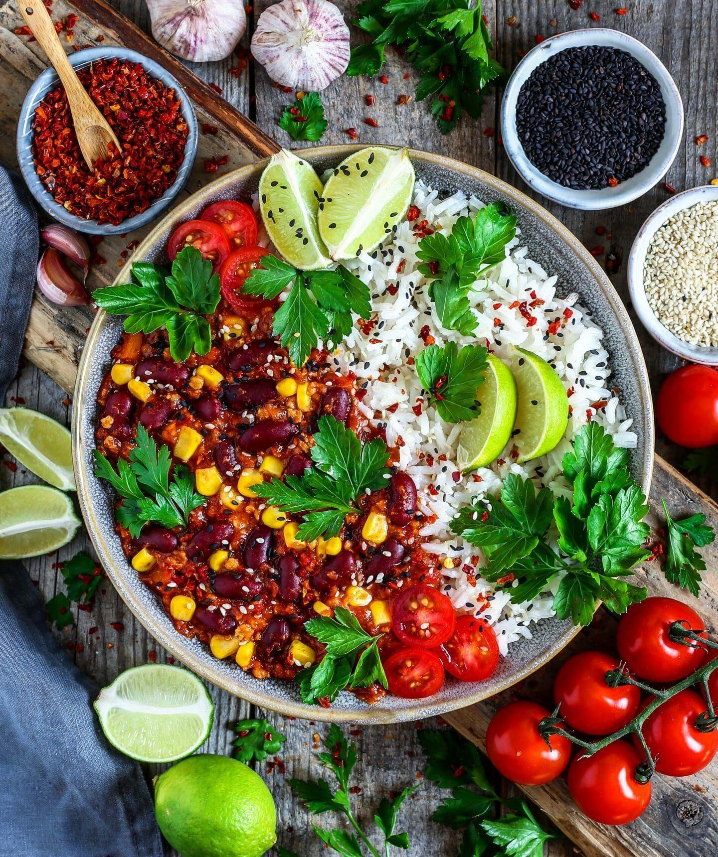 Chili sin carne mit Reis (vegan) - Bianca Zapatka   Rezepte