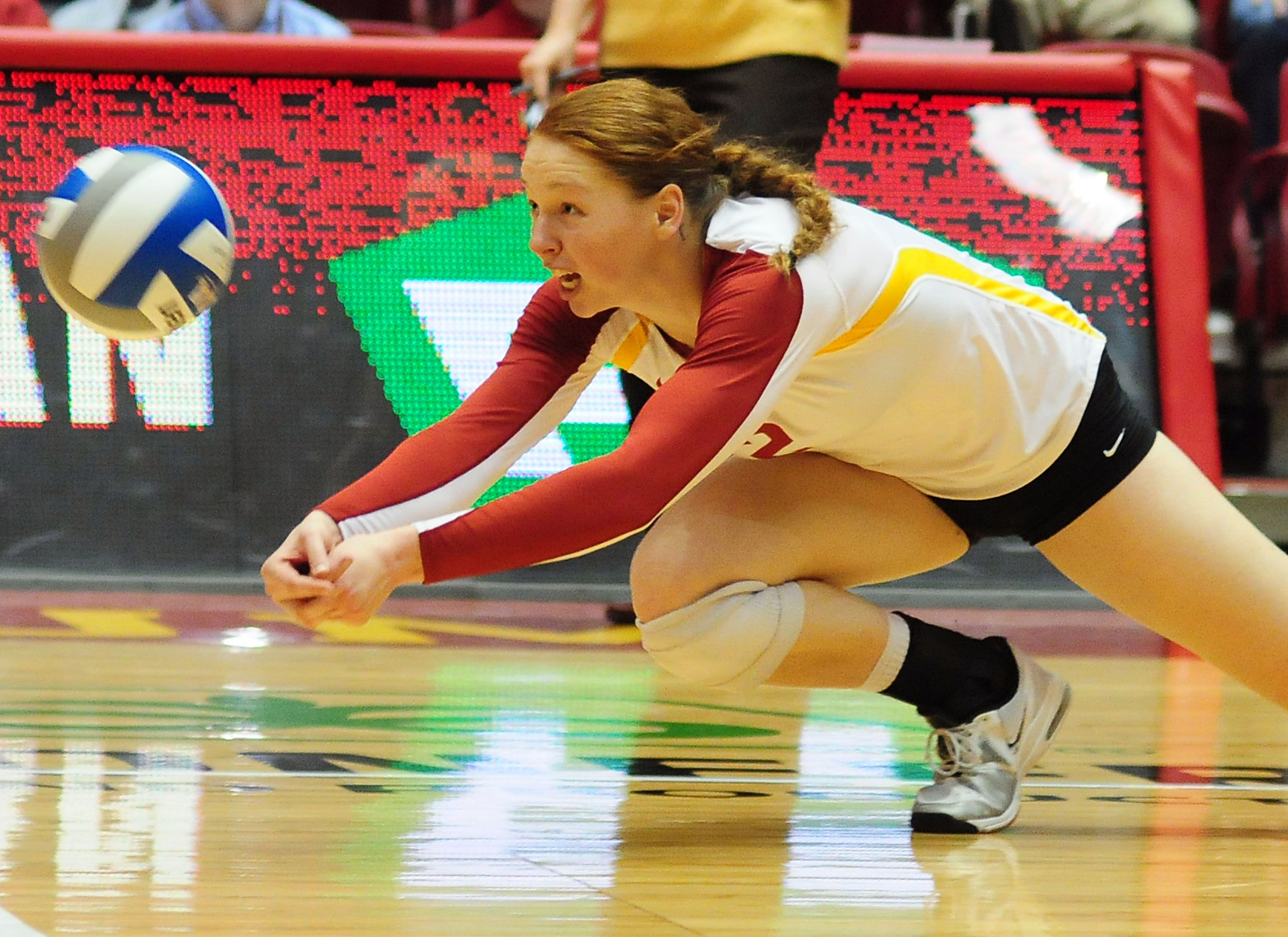 Iowa State Sophomore Mackenzie Bigbee Digs The Volleyball Against Kansas University Wednesday At Hilton Coliseum In Ames P Iowa State Cyclones Iowa State Iowa
