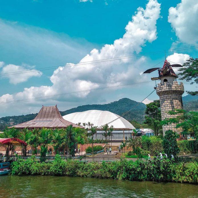 Taman Wisata Matahari Cisarua Di 2020 Pemandangan Taman Jepang Perahu Naga