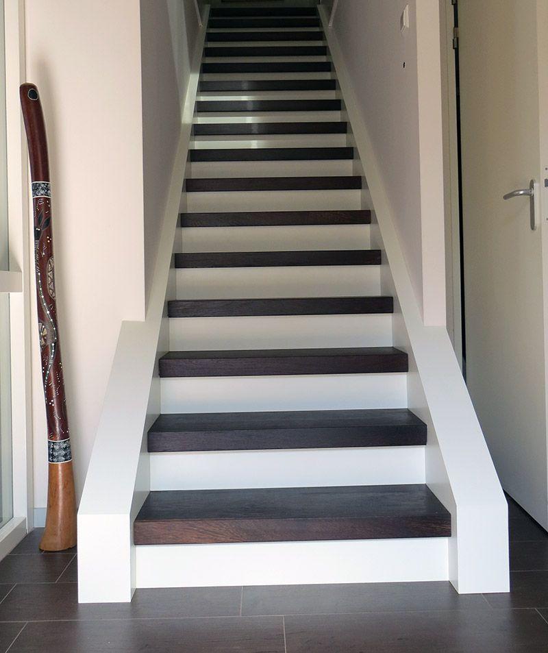 Trap wit en bekleden met houtblok trapbekleding trapbekleding pinterest trappen - Betegeld wit parket effect ...