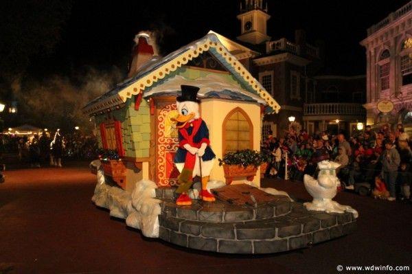Parade WDW Disney Christmas Pinterest Disney theme