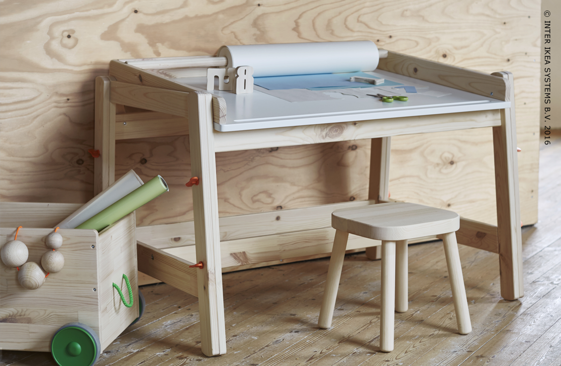 Voor de leergierigen. Kinderbureau FLISAT #IKEABE  For the most studious. Desk FLISAT #IKEABE