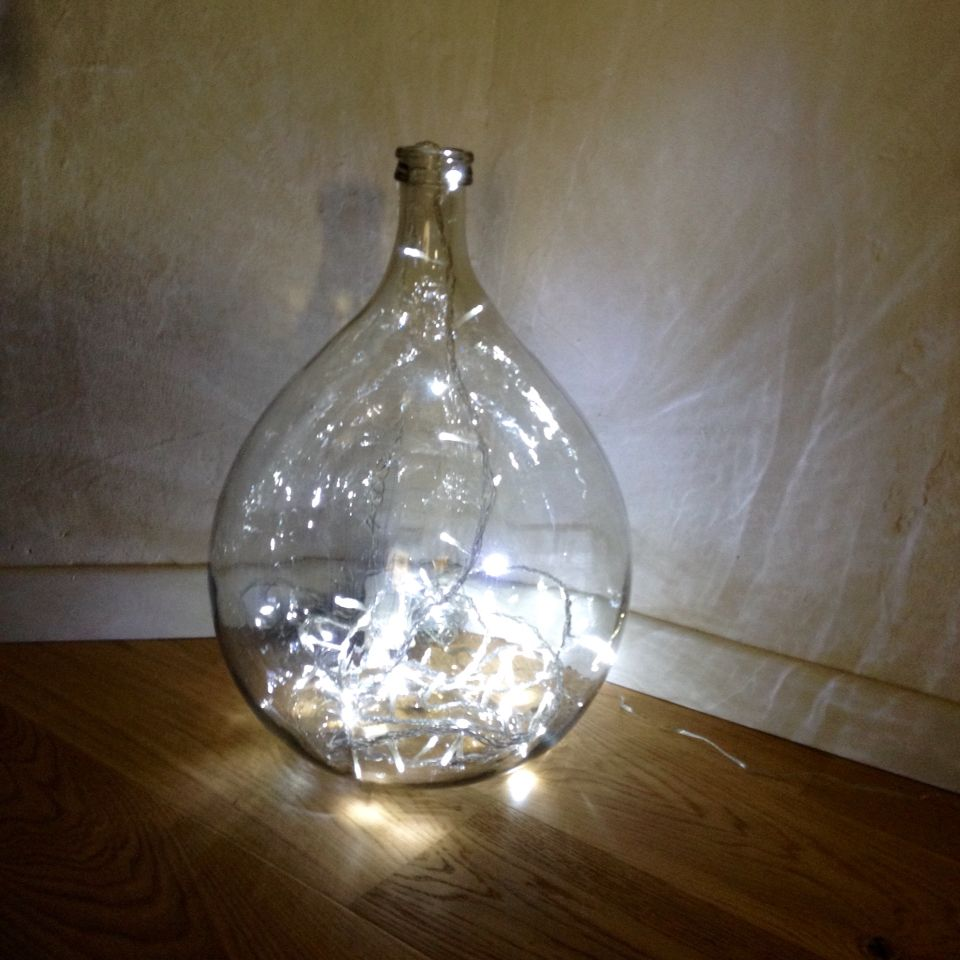 Diy lamp with recycling wine carboy glass riciclo for Arredamento artistico