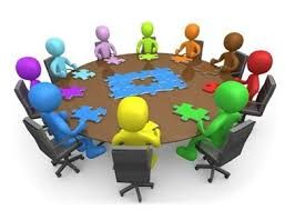 We can apreciate a group of people innovating different ideas for a similar purpose and they are giving all different ideas(puzles) which means that they also work in a collaborative way