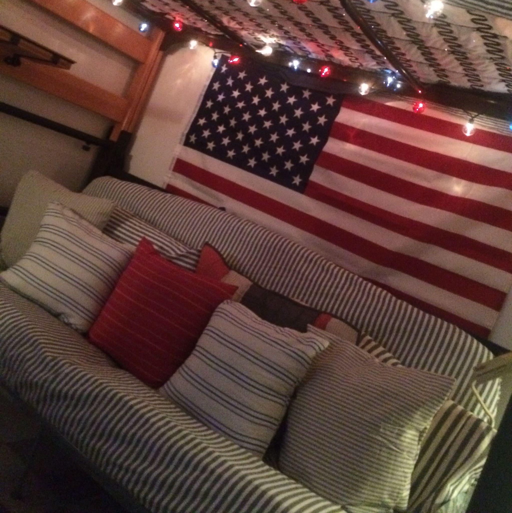 Boy S Dorm Room Futon Under The Bunk Bed Westelm Patriotic