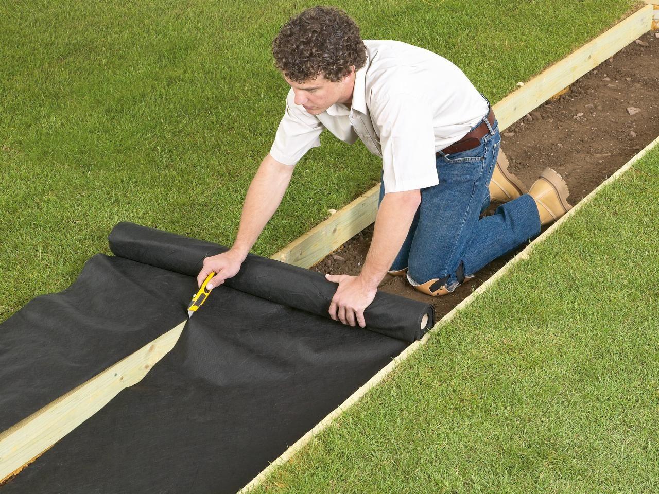 How to Lay a Gravel Pathway   Allée extérieure, Comment ...