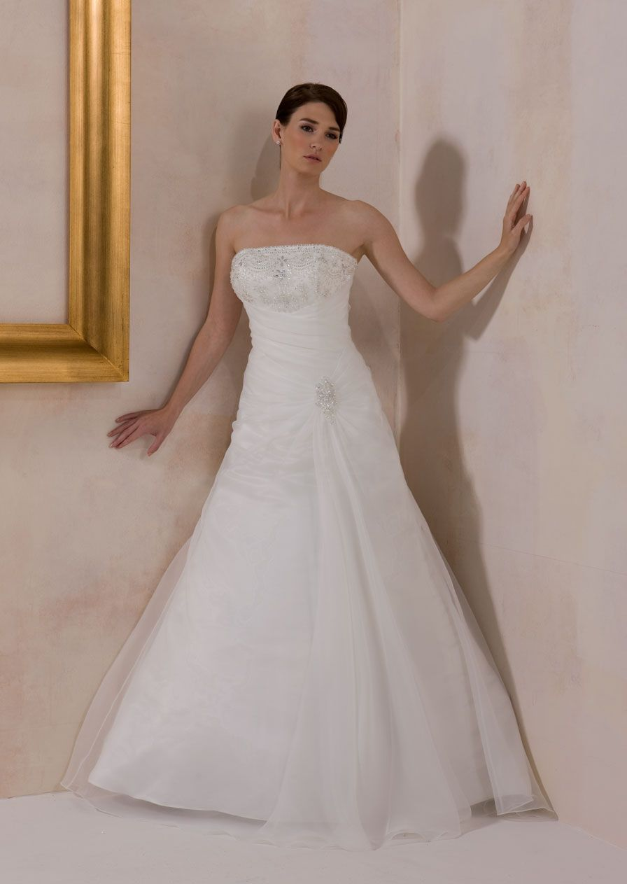 Catherine chester le street wedding pinterest wedding dress catherine chester le street couture wedding dressesbridal ombrellifo Gallery