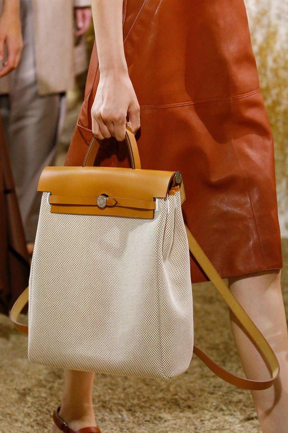 Hermès Resort 2019 Fashion Show Hermes handbags, Handbag