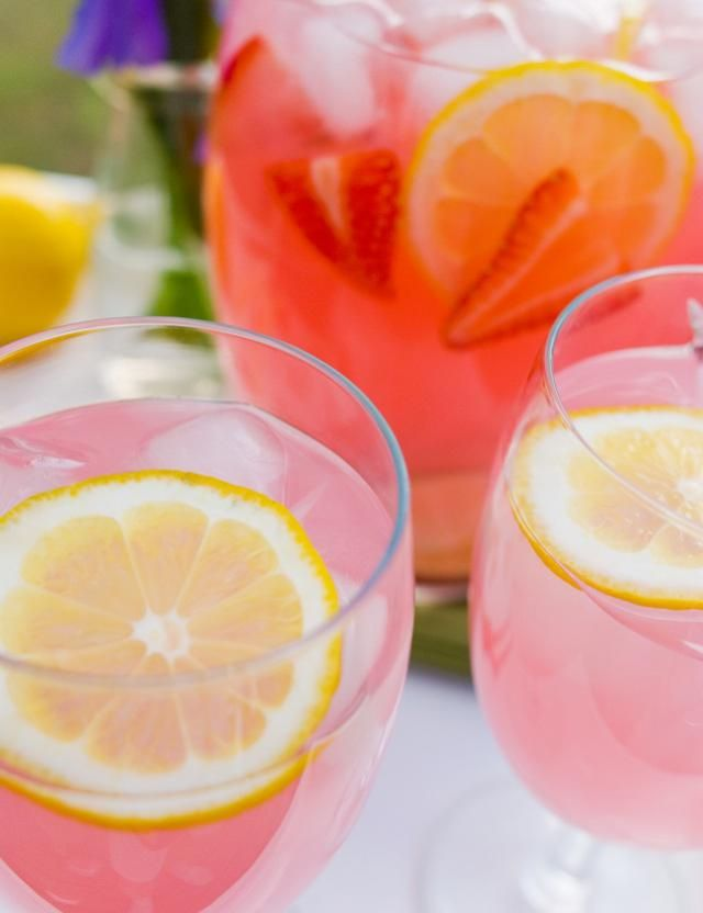Strawberry citrus moscato sangria recipe strawberry for Drinks with pink moscato