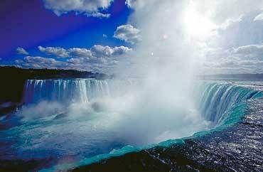 Resultados da pesquisa de http://images.fanpop.com/images/image_uploads/Niagara-Falls--Ontario-canada-55846_370_242.jpg no Google