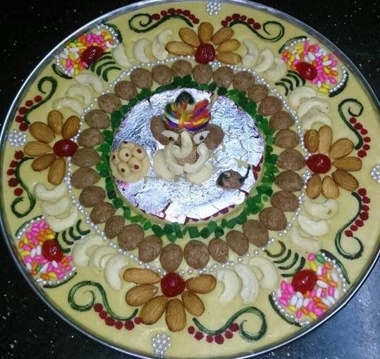 Pin by vandana patel on cake pinterest decoration for Aarti thali decoration with grains