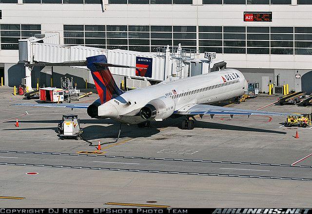 Delta Md 90 Mci Atl My Flights Aircraft Douglas